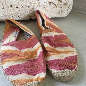 Solids shoes size 39